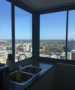 Highrise View Apt within 5min walk to ParraStation - Parramatta
