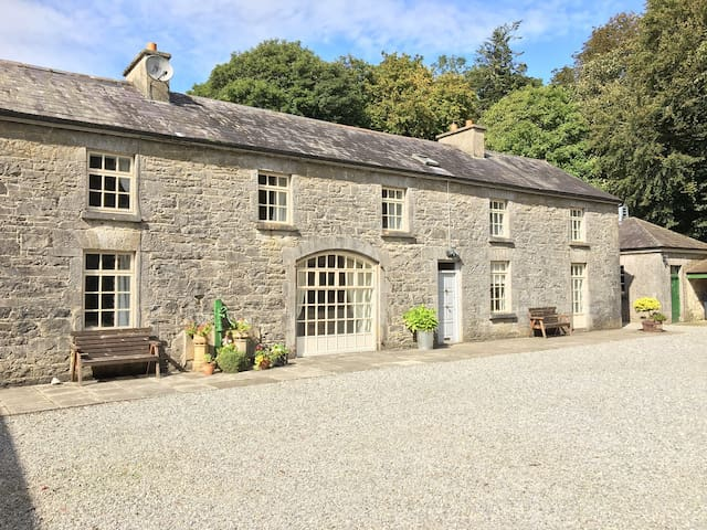 The Stewards House @ Clonalis House Self Catering