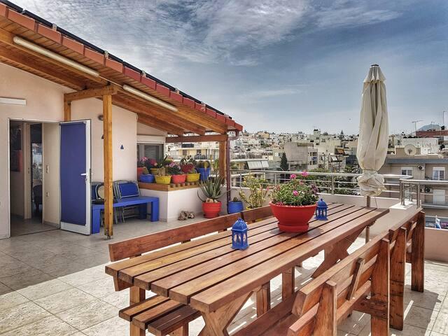 Iraklio city center cosy apartment with sea view