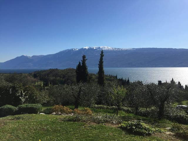 Great house with lake view - Toscolano Maderno - House