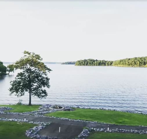 Waterfront Condo, Pool, Fire Pit, Boat Rental