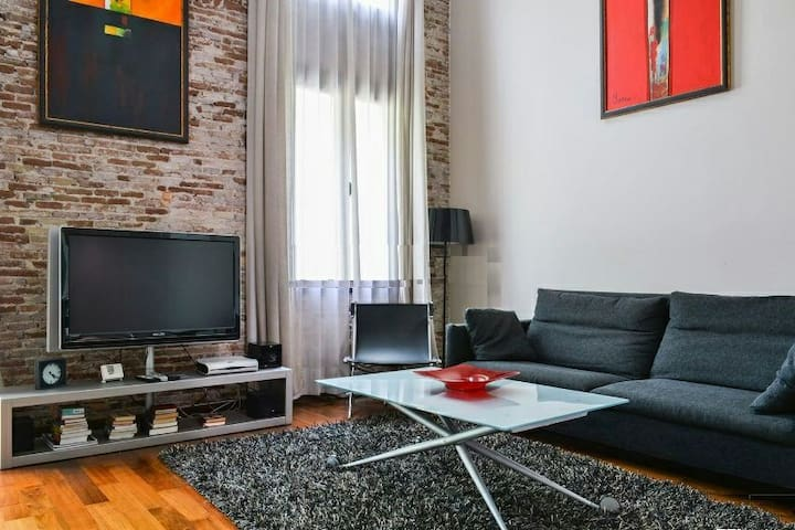 Sweet double bedroom in La Rambla - Barcelona El RAVAL