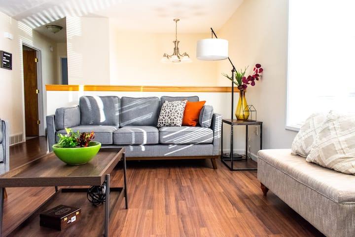 Bright & Private Home close to Downtown MQT/NMU