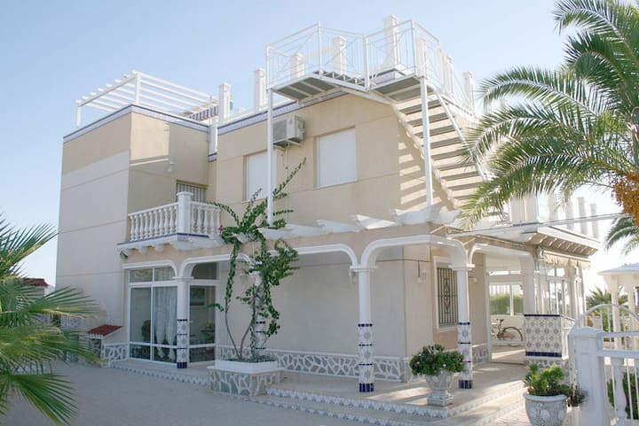 Flamenca Beach Villa 3