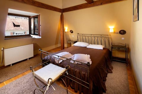 Thomas Guesthouse 4*