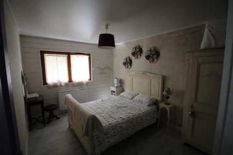 Charmant appartement en rez de chalet
