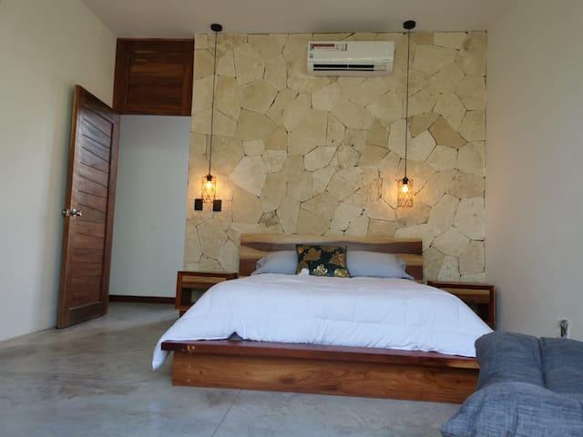 Kooptee PentHouse Room 2