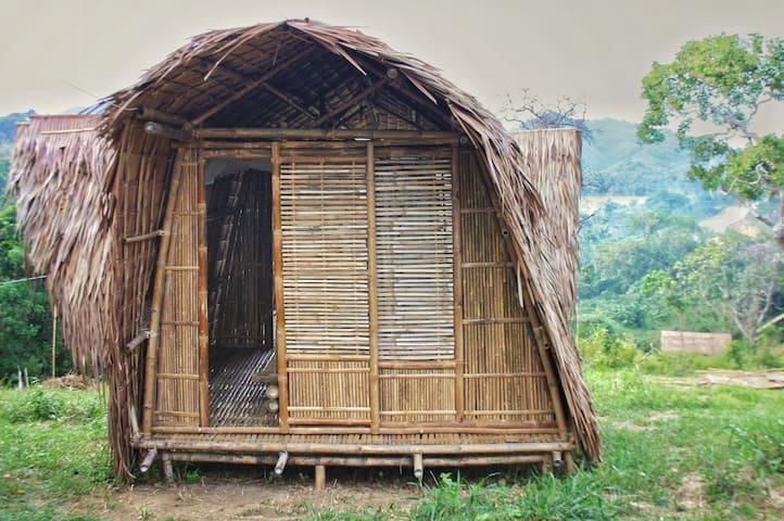 Erlittop Garden Camper's Hut