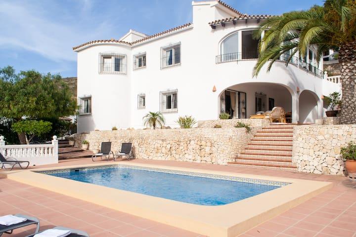 Villa Gemela, El Portet