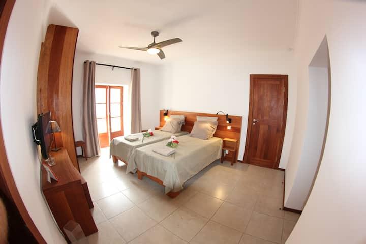 """Casa Evora, maison d'hôtes, chambre """"Tibau"""""""