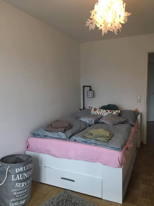 Doppelzimmer Bett - Double Bed