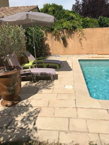 Villa avec piscine au cœur de la garrigue