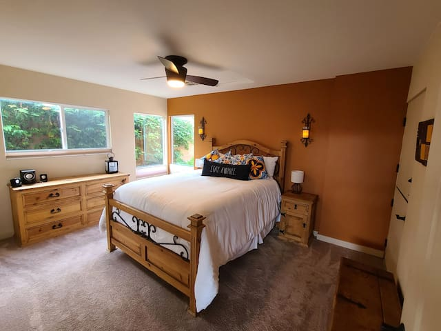 Luxury linens and a comfortable queen await you. Several pillows to choose from and natural light or black out blinds to fit your needs.