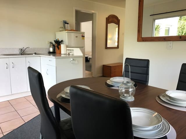 One Bedrm Flat Central Paihia