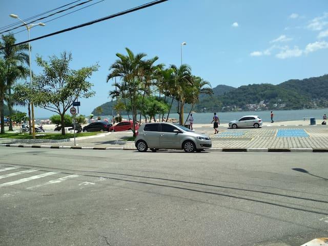 Alugo kitnet em São Vicente