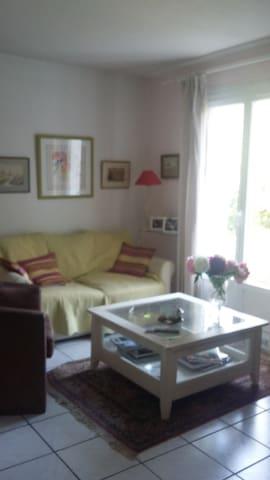 Les Sittelles - Igloos for Rent in Saint-Genis-Laval, Auvergne-Rhône ...