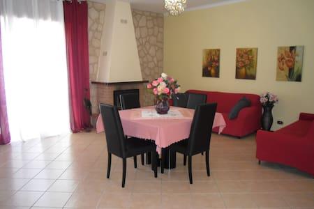 ATTICO 140 M+TERRAZZO 200M LIMBIATE - Apartment