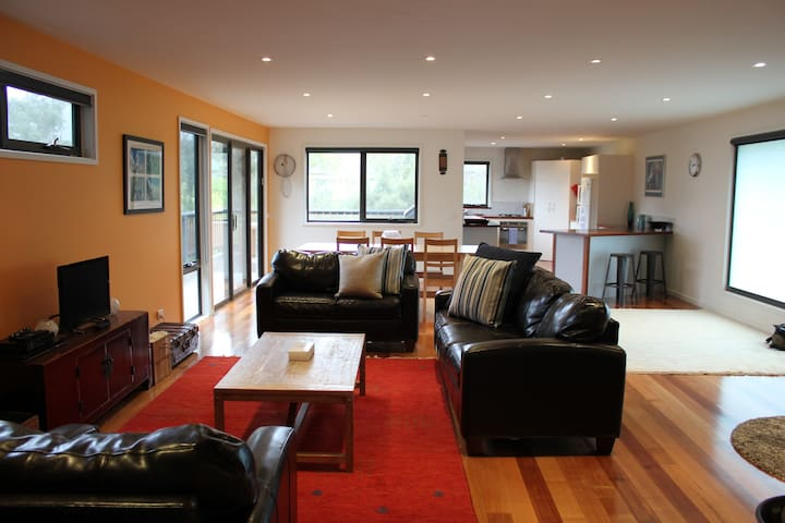 Sanctuary House - in the heart of Wye River