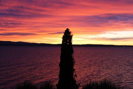 Monolocale vista lago - シルミオーネ