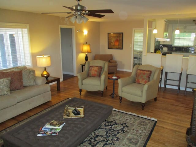 Very Private, Centrally Loacted - Waco - Casa