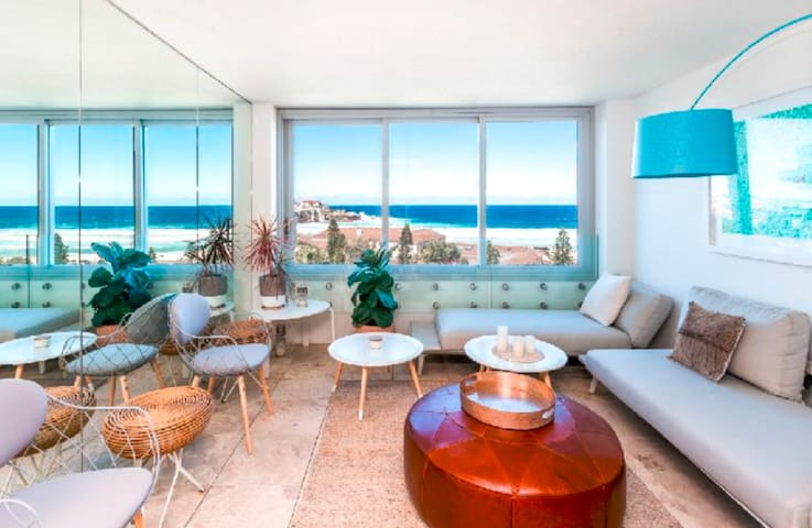 Exclusive Beach-Front Apartment in 'The Pacific'
