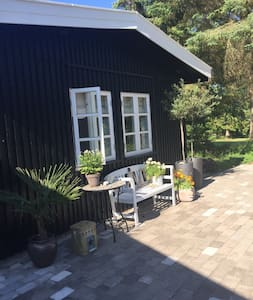 Cozy house close to the beach - Dronningmølle