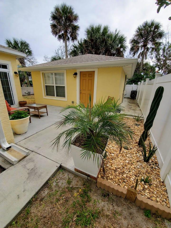 Modern Guest House a short walk to beach & shops