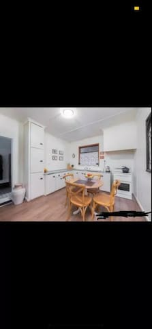 House close to Glenelg beach and city