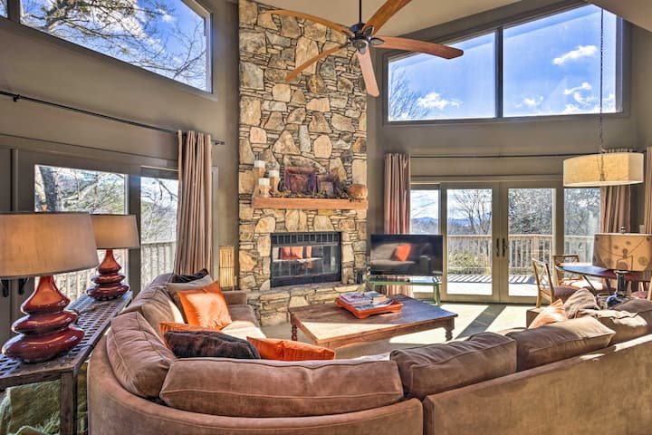NEW! Luxe Rumbling Bald Retreat w/ Deck & Mtn View