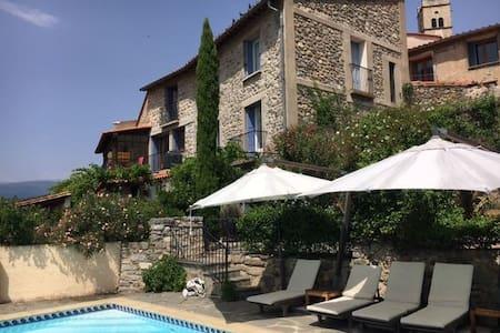 Vista Muntanya, superb apartment, exclusive pool !