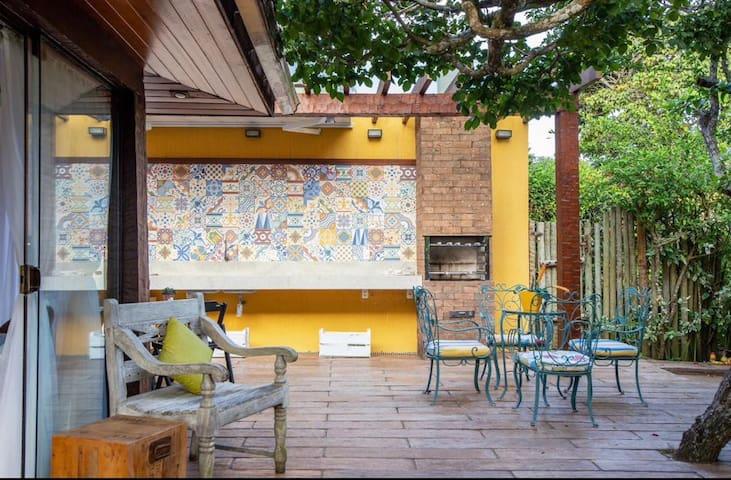 Casa Praia da Ferradura cond. próx Hotel Insólito