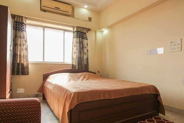 Exclnt location , heart of Kolkata with AC,TV,WIFI - Kolkata