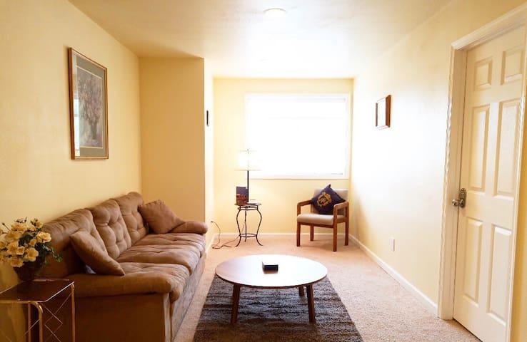 Efficiency&cozy&safe private room
