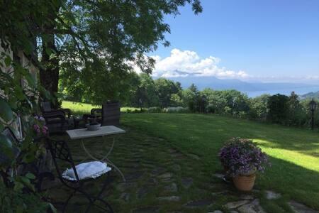 Chambre à louer dans un chalet suisse magnifique! - Saint-Légier-La Chiésaz
