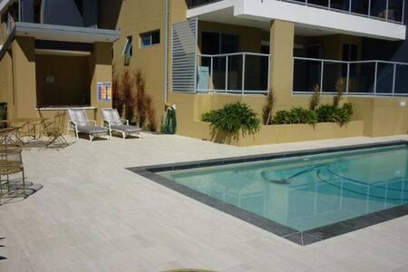 Poolside Private  Peninsular Retreat