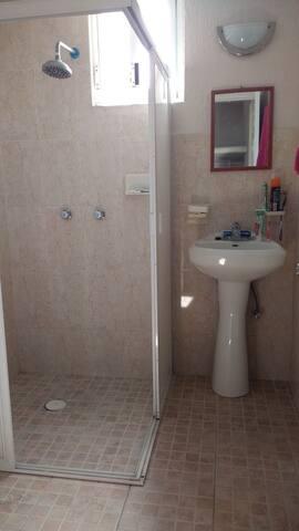 baño cuarto 1 privado