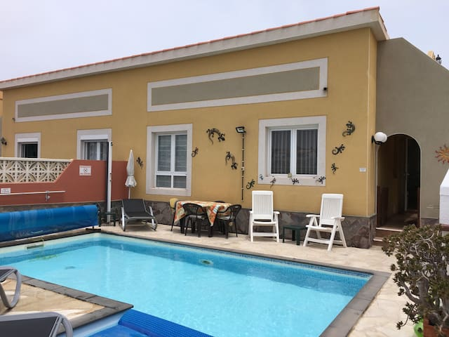 2 Bedroom Villa With Pool & Wifi