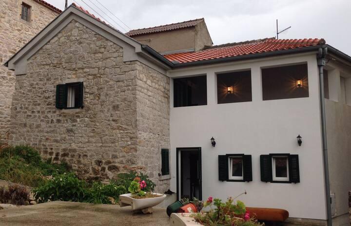 House on dream island of Vrgada, 6p