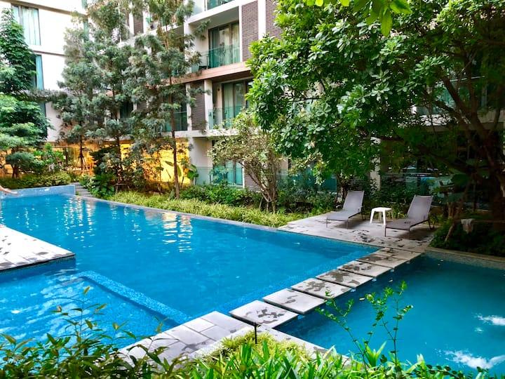 宁曼路高端泳池公寓,近maya,one nimman,素贴山,清迈大学