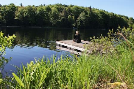 Magnifique Chalet en Laurentide au bord d'un lac !