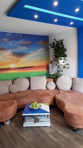 helle, möblierte Dachgeschoss-Wohnung (62 m²)