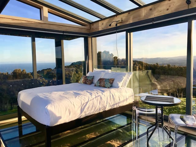 360 degree views, take in the scenery during the day, and then star-gaze the night away from the comfort of bed