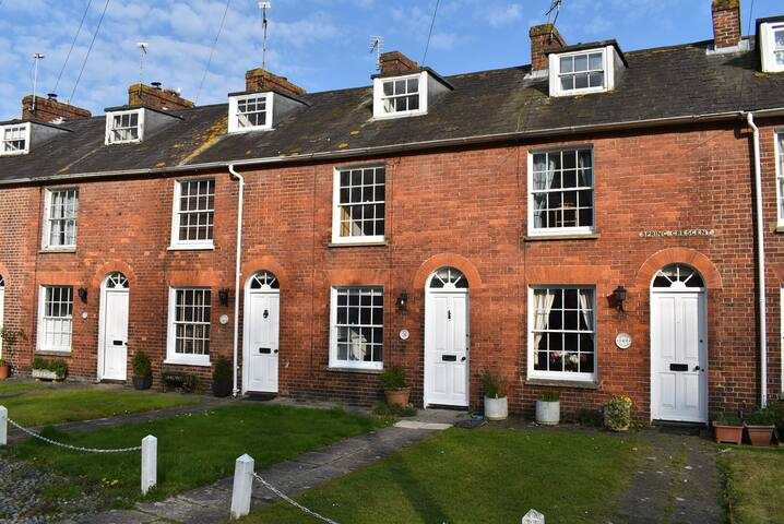 Dolphin Cottage, Rye, East Sussex