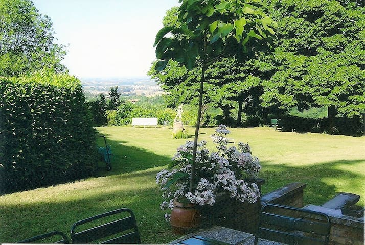 Casa Oscar home surrounded by green near city - San Lazzaro di Savena - Lejlighed