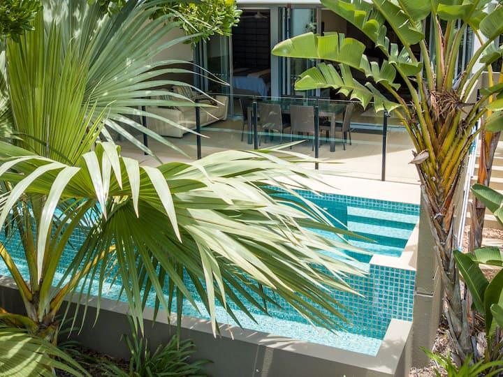 """Paradise Casuarina"" beachfront villa+private pool"