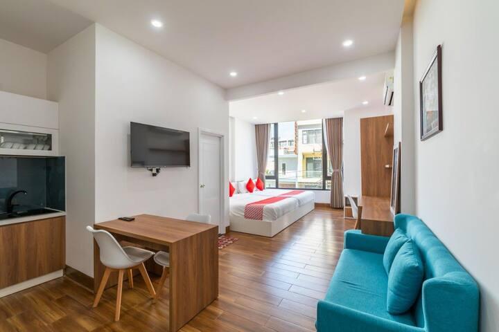 Fun House Hotel & Apartment - phòng giường đôi lớn