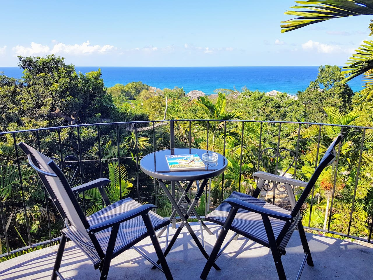 Wake up to Panoramic Ocean Views of the Caribbean Sea!