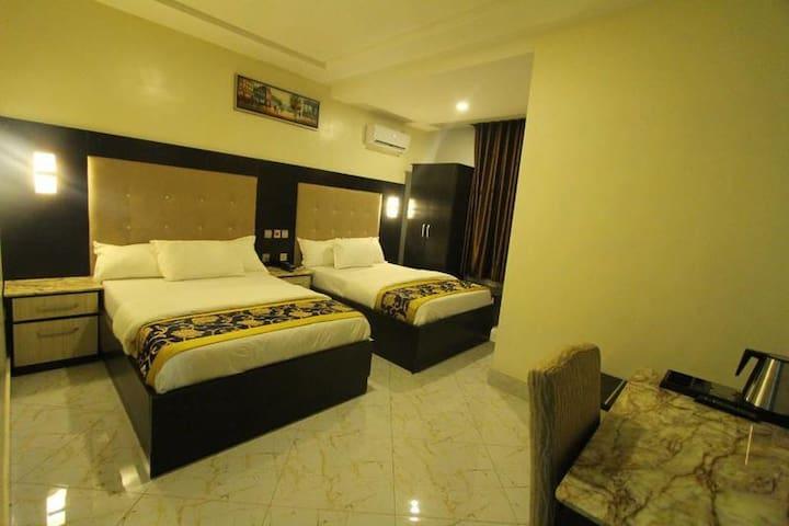 De Gladys Hotel-Family Room