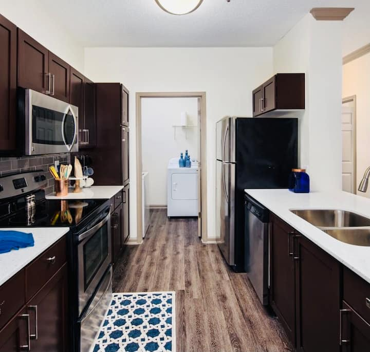 RELAX GETAWAY   | CENTRAL LOCATION!! |SLEEPS 4