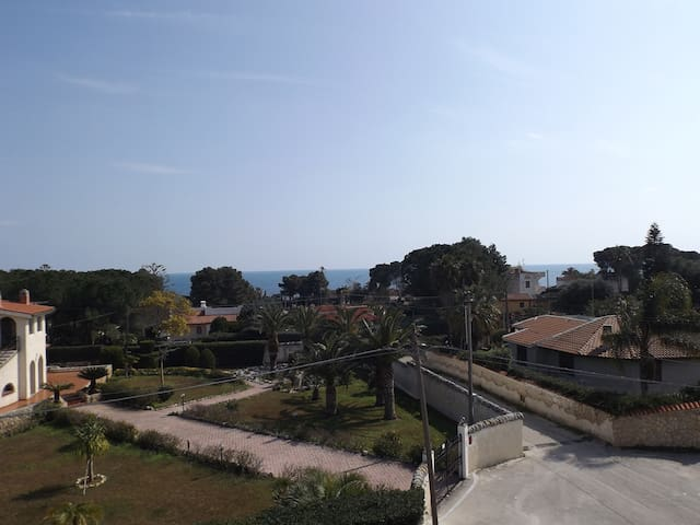 Bilocale in villa a 100 m dal mare - Fontane Bianche - Pis